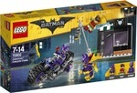 Конструктор LEGO Погоня за Женщиной-кошкой (70902)