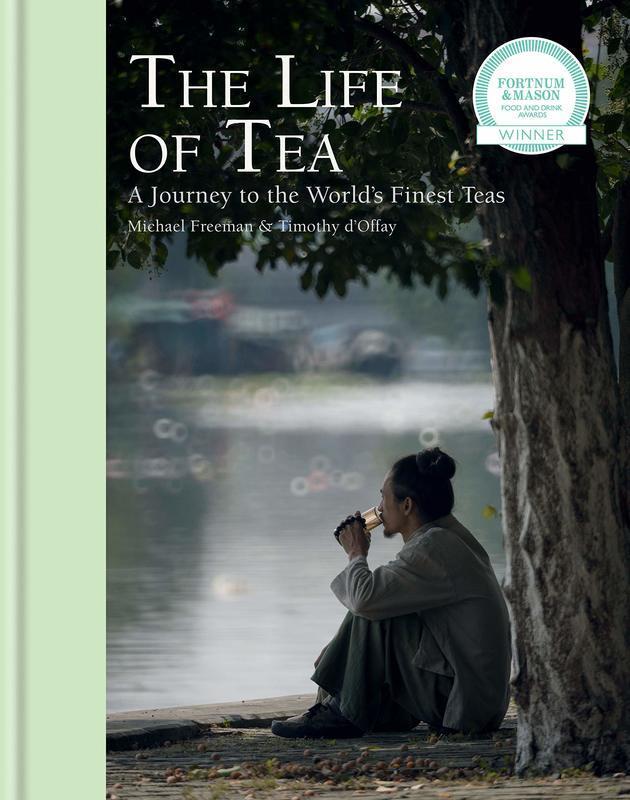 "Купить книгу ""The Life of Tea: A Journey to the World's Finest Teas"""